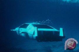 Mobil Kapal Selam James Bond Terjual