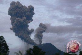 Tiga tewas dan empat kritis akibat erupsi Sinabung