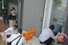 Kawanan rampok bobol ATM bank sinar mas