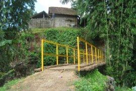 Tiga Jembatan Penghubung Antardaerah Terancam Ambruk