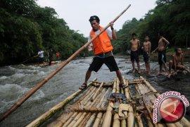 Konselor Kedutaan Denmark Kunjungi Sungai Ciliwung