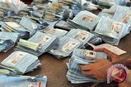 Polisi Bagikan SIM Gratis Kepada Pengunjung Pameran