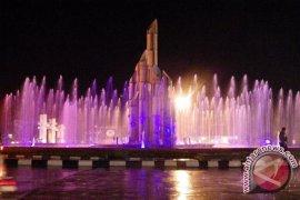 Sintang Bangun Taman Entuyut Disertai Air Mancur