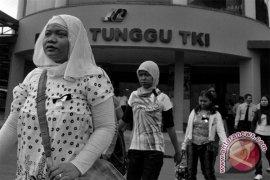 Sukabumi berangkatkan ratusan TKI