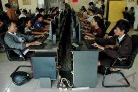 Satpol PP Bekasi jaring 50 pelajar mangkir