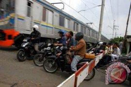 Puluhan Perlintasan Kereta Sebidang Bekasi Rawan Kecelakaan