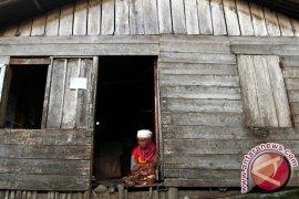 BPS: jumlah penduduk miskin 28,55 juta orang