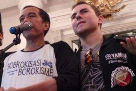 Jokowi bersepeda bersama Jorge Lorenzo