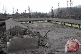 Diselimuti Abu Vulkanik Gunung Sinabung