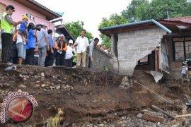 Gubernur Bali Tinjau Lokasi Bencana di Buleleng