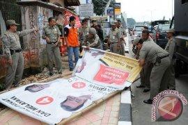 Pemkot Bogor gelar operasi pembersihan  APK Pemilu