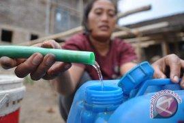 Ribuan Warga Cibarusah Alami Kekeringan Air