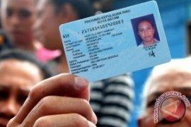 60.000 Warga Bekasi Antre Cetak Blanko E-KTP