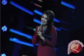 Dewi dan Miranti tinggalkan panggung Indonesian Idol