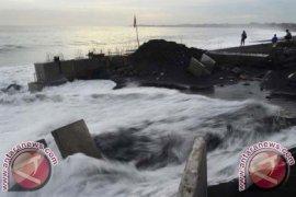187 Km Garis Pantai Bali Terindikasi Abrasi