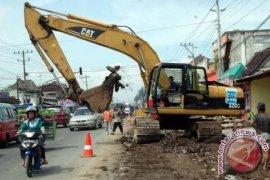 Pembebasan lahan jalan Cibarusah-Serang belum tuntas