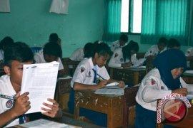 UN SMP hari pertama Kota Bengkulu  lancar