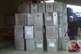 KPU Bangka Tengah Bongkar Kotak Suara