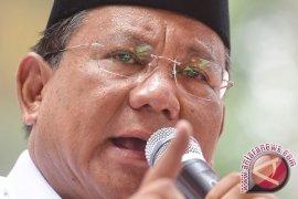 Prabowo Minta Akhiri Memaki-maki Soekarno-Soeharto