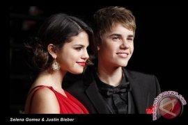 Justin Bieber Kencan Romantis Dengan Selena Gomez
