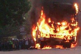 Bus terbakar di Tol Jakarta-Cikampek
