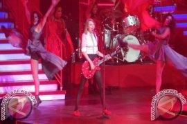 Dominasi Merah dan Histeria Penonton Warnai Konser Taylor Swift