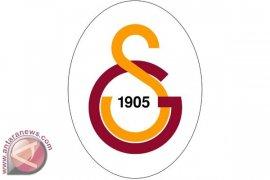 Sneijder Bertahan di Galatasaray