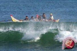 BMKG Ingatkan Nelayan Babel Waspada Gelombang Tinggi