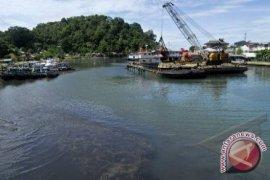 KSOP Pangkalbalam Keruk Batu Karang Pelabuhan Belinyu