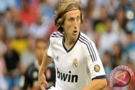 Modric targetkan juala setelah teken kontrak baru