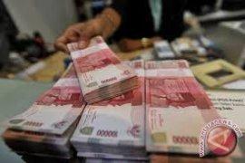 Rupiah menguat seiring dipertahankannya peringkat utang oleh Moody's
