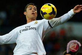 Ronaldo mencetak trigol saat Real hancurkan Bilbao