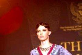 Desainer Indonesia Peragakan Batik di Den Haag
