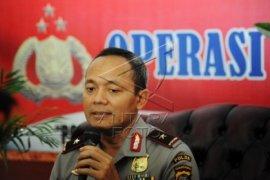 Kementerian LH-Kehutanan Bantu Helikopter Padamkan Api