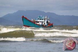 Waspadai gelombang tinggi di perairan Aceh