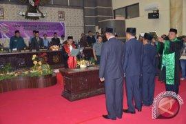 Unsur Pimpinan DPRD Kabupaten Gorontalo Dilantik