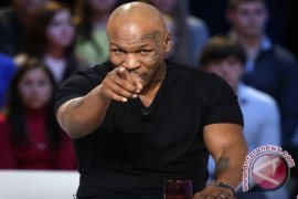 Mantan juara dunia kelas berat Mike Tyson naik ring lagi
