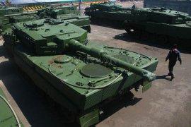 Tank Leopard Tiba Di Surabaya