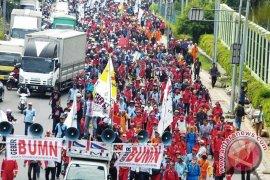 Wapres: Buruh Silakan Demo Dengan Baik