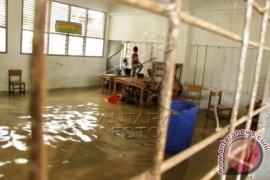Sekolah Libur Terendam Banjir