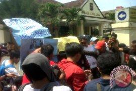 Aksi solidaritas wartawan Bogor tolak kekerasan