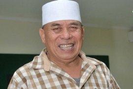Haji Muhidin raih KPID Jakarta award 2014