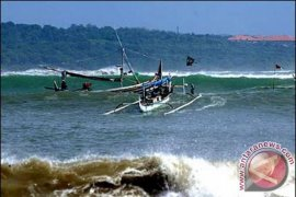 BMKG Ingatkan Nelayan Babel Waspadai Gelombang Tinggi