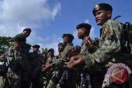 Penutupan patroli bersama patok perbatasan Indonesia-Malaysia Page 1 Small