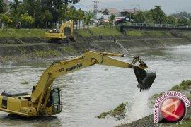 Pemkot Pangkalpinang Berencana Keruk Saluran Air