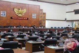 Anggota DPRA Mengamuk Saat Sidang Paripurna Khusus
