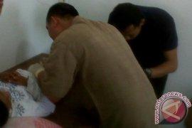 Baznas Kalbar Sunat Massal 35 Anak di  Landak