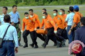 Prajurit AL Diberi Penghargaan Evakuasi AirAsia
