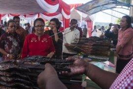 Menteri PPPA Resmikan Pusat Ikan Asar Ambon