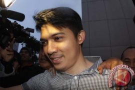 Diduga terlibat penggelapan uang, Irwansyah dan Zaskia Sungkar diperiksa polisi